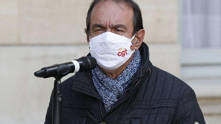 Le leader de la CGT, Philippe Martinez, lors d'une conférence de presse à Matignon, à Paris, le 26 octobre 2020. (GEOFFROY VAN DER HASSELT / AFP)