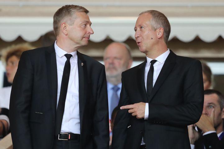 Vadim Vasilyev (à droite), aux côtés du président de l'ASM Dmitri Rybolovlev (VALERY HACHE / AFP)