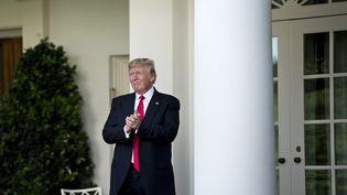 Donald Trump le 1 juin 2017 dans le jardin de la Maison Blanche à Washington (États-Unis). (BRENDAN SMIALOWSKI / AFP)