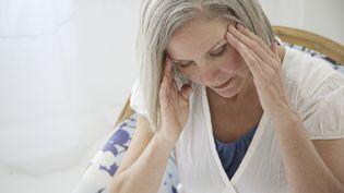 En France,pas moins de cinq millions de femmes et trois millions d'hommes souffrent régulièrement de migraines. (DIGITAL VISION / GETTY IMAGES)