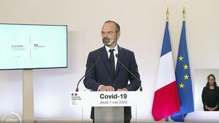 Le Premier ministre Edouard Philippe présente les premières mesures de déconfinement lors d'une conférence de presse à l'hôtel de Matignon, le 7 mai 2020. (MATIGNON / FRANCEINFO)