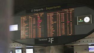 Aviation : les compagnies aériennes cassent les prix des billets pour attirer les clients (FRANCE 2)