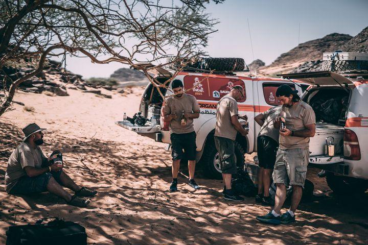 Pause lors des reconnaissances du Dakar 2021