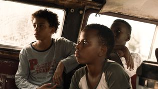 """C'est un film dont ceux qui l'ont déjà vu s'accordent à dire qu'il s'agit d'une réussite. """"Petit pays"""" a tout d'une grande réalisation. (JERICO FILMS – SUPER 8 PRODUCTION – PATHÉ – FRANCE 2 CINÉMA – SCOPE PICTURES – PETIT PAYS FILM)"""