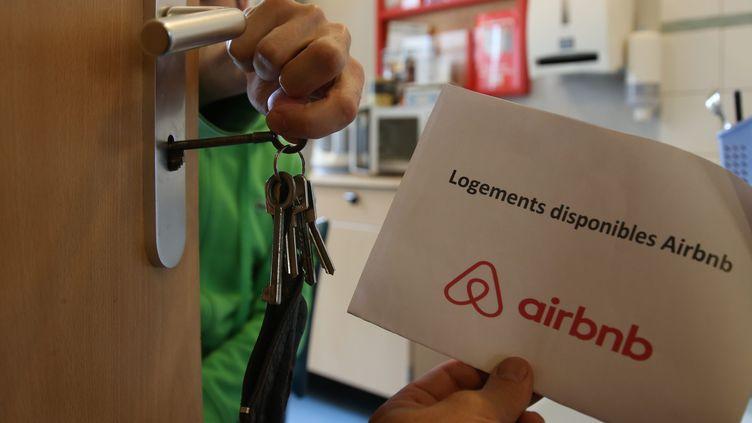 L'Assemblée nationale a voté le 8 juin un encadrement renforcé des locations touristiques de type Airbnb. (MAXPPP)