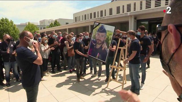 """Hommage à Éric Masson à Avignon : """"Les policiers sont là pour nous défendre, pas pour être tués"""""""