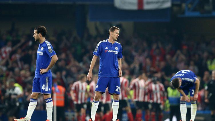 Nemanja Matic et Cesc Fabregas désabusés lors de la défaite de Chelsea contre Southampton. (JUSTIN TALLIS / AFP)