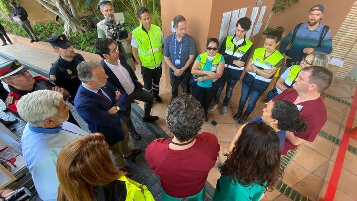 Réunion de crise, le 24 janvier 2020, à Tenerife, jour où le premier cas de Covid-19 s'est déclaré dans l'hôtel H10 Costa Adeje où Jean-Guy Le Roux a travaillé comme bénévole pendant les deux semaines de confinement des touristes dans l'hôtel (JEAN-GUY LE ROUX)