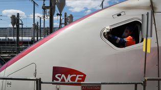 Le réseau TGV dans le sud-ouest a enregistré une grosse panne le 30 août : des usagers sont restés bloqués près de 20 heures dans des rames. (LUDOVIC MARIN / AFP)