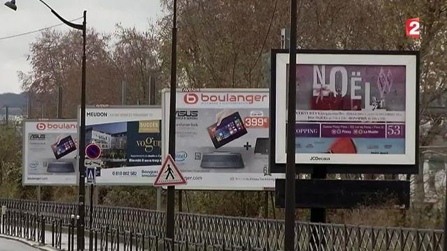 Les panneaux publicitaires vont-ils faire leur retour dans certaines communes ?