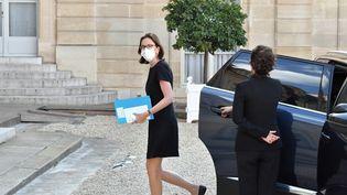 La ministredela Transformation et de la Fonction publiques, Amélie de Montchalin, à l'entrée du palais de l'Elysée à Paris, le 19 juillet. (DANIEL PIER / NURPHOTO / AFP)