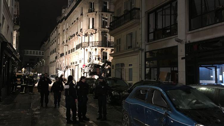 Les opérations de déblayage se sont poursuivis jusque tard dans la nuit. (GREGOIRE LECALOT / RADIO FRANCE)