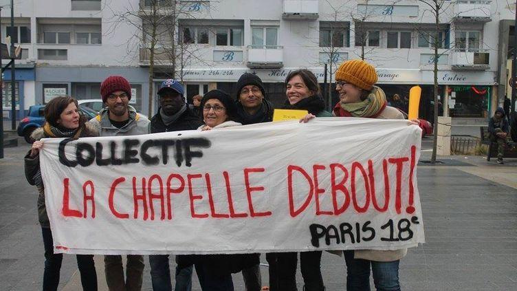 Valérie Osouf, deuxième en partant de la droite, avec les membres du collectif parisien La Chapelle debout à Calais (Pas-de-Calais), le 23 janvier 2016. (la chapelle debout)
