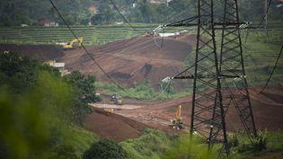 La Route de la soie voulue par le président chinois Xi Jinpinj. Ici la construction d'une voie ferrée entre Jakarta et Bandung (Indonésie).  (BAY ISMOYO / AFP)