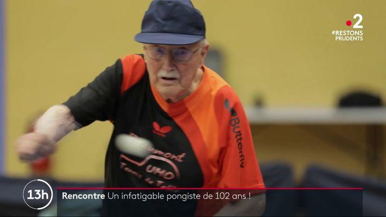 """""""Papy-pong"""" est un grand sportif de 102 ans qui n'a qu'une hâte :retrouver chaque jour sa raquette de ping-pong et ses copains. (France 2)"""