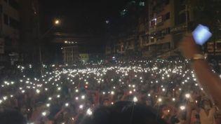 Des manifestants se sont réunis le 13 mars à Rangoun, la capitale économique de la Birmanie. (ZWEL LINN HTET AG (VIA STORYFUL))