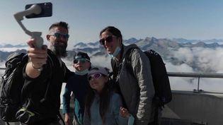 C'est un joyau du tourisme en France : le pic du Midi de Bigorre a reçu de nombreux visiteurs durant l'été, et même battu un record de fréquentation. Le site offre une vue panoramique sur la chaine des Pyrénées. (CAPTURE ECRAN FRANCE 2)