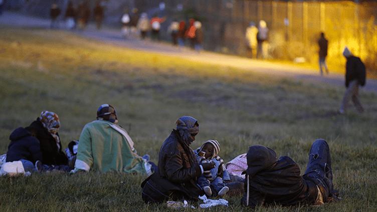 (La petite fille que voulait sauver Rob Lawrie vivait dans la jungle de Calais © REUTERS/Pascal Rossignol)