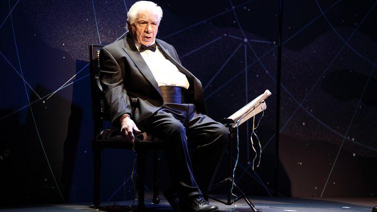 Le comédien Michel Galabru au théâtre du Palais Royal à Paris, le 28 janvier 2014. (VLADIMIR MILIVOJEVIC / SIPA)