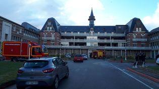 Une soixantaine de pompiers sont intervenus à l'institut Calot de Berck-sur-Mer (Pas-de-Calais), le 9 février 2018. (RADIO FRANCE / MATTHIEU DARRIET)