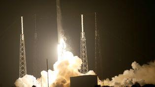 Le lanceur Falcon 9 de SpaceX décolle, le 21 septembre à Cape Canaveral (Floride). (JOE RAEDLE / GETTY IMAGES NORTH AMERICA / AFP)