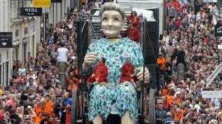 La grand-mère de Nantes du Royal de Luxe a attiré les foules  (AFP)