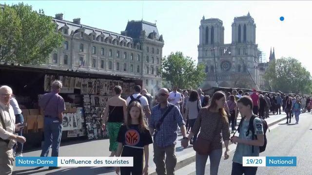 Notre-Dame de Paris : l'affluence des touristes
