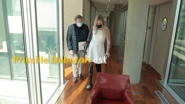 Handicap :Priscille Deborah, première femme bionique de France