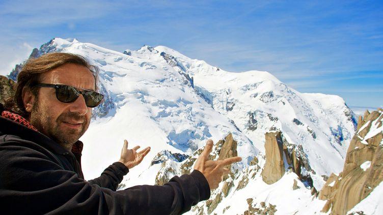 André Manoukian, en juin 2010, en haut de l'Aiguille du Midi, l'une des scènes atypiques du Cosmo Jazz Festival. (MAXPPP/LE DAUPHINE LIBERE)