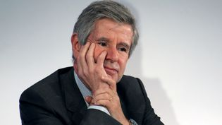 L'économiste Alain Minc, lors d'une conférence à Paris, le 5 janvier 2012. (ERIC PIERMONT / AFP)