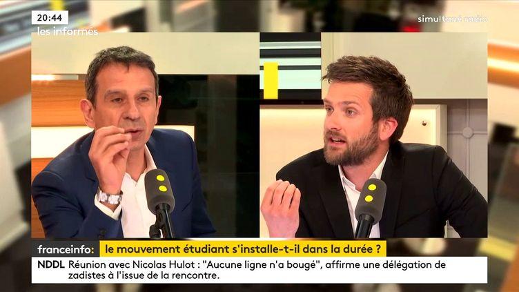 """Eric Mettout (à g.) de """"L'Express"""", et Christophe Pierrel,ancien chef de cabinet adjoint de François Hollande à l'Elysée, le 18 avril 2018. (RADIO FRANCE / FRANCEINFO)"""