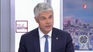 """Laurent Wauquiez, candidat à la présidence des Républicains, sur le plateau des """"4 Vérités"""" de France 2, le 1er septembre 2017. (FRANCE 2)"""