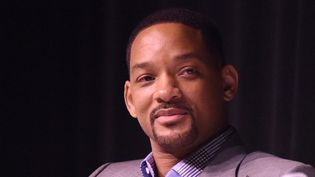 "Will Smith le 3 janvier 2016, au Festival de Palm Springs, où l'acteur est interrogé sur le film ""Seul contre tous"" (""Concussion"" dans le titre original).  (Vivien Killilea / GETTY IMAGES NORTH AMERICA / AFP)"