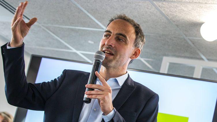 """Raphaël Glucksmann, tête de la liste """"Envie d'Europe"""" qui réunit le Parti socialiste et le mouvement Place publique, présente les candidat pour les élections européennes du 26 mai. (MAXPPP)"""