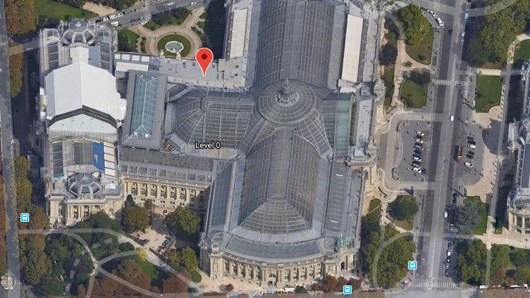 L'incident s'est produit en face du commissariat du 8e arrondissement de Paris. (GOOGLE MAPS)
