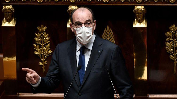 Le Premier ministre, Jean Castex, s'exprime devant l'Assemblée nationale le 13 juin 2021. (STEPHANE DE SAKUTIN / AFP)