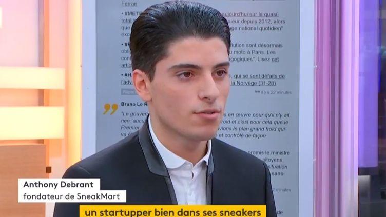 Anthony Debrant, jeune entrepreneur de 18 ans, fondateur d'un site e-commerce de revente de baskets: Sneakmart. (FRANCEINFO)