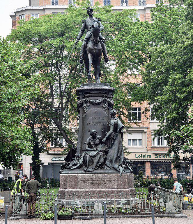 La statue lilloise du général Louis Faidherbe (photo prise le 23 mai 2018) (DENIS CHARLET / AFP)