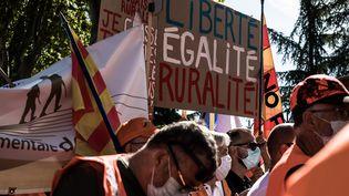 Mobilisation des chasseurs à l'appel de la fédération nationale de chasseà Prades (Occitanie), le 12 septembre 2020. (NICOLAS PARENT / MAXPPP)