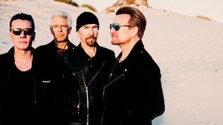 Le groupe a repris la pause comme sur la photo de la pochette d'origine  (Anton Corbijn)