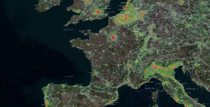 Carte de la pollution lumineuse enregistrée en 2016. (LIGHTPOLLUTIONMAP.INFO)