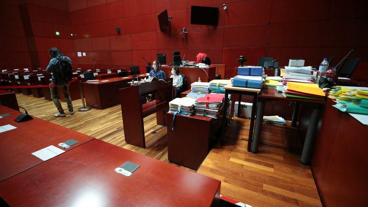 La salle d'audience de la cour d'assises de Nantes où se déroule le procès Troadec. (LIONEL LE SAUX / MAXPPP)