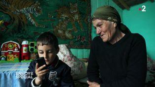 Envoyé spécial. Roumanie : le village sans parents (FRANCE 2 / FRANCETV INFO)