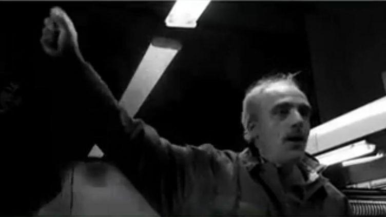 Capture d'écran du clip officiel de Philippe Poutou (DR)