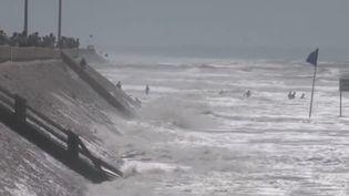 Grandes marées : prudence sur le littoral (FRANCEINFO)