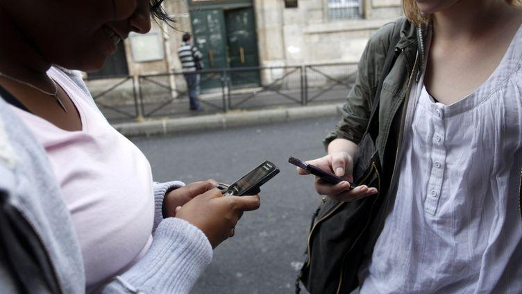 Jean-Michel Blanquer a confirmé l'interdiction à la rentrée 2018 du téléphone portable pour les élèves des écoles et collèges, mesure qui figurait dans le programme de campagne d'Emmanuel Macron (Image d'illustration). (MAXPPP)