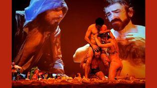Golgota Picnic, de Rodrigo Garcia, au théâtre du Rond Point à Paris  (Davir Ruano)