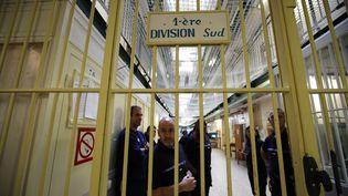 A la prison de Fresnes (Val-de-Marne), lors d'une visite ministérielle, en 2016. (CHRISTOPHE ENA/AP/SIPA / AP)