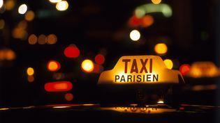 Les taxis parisiens redoutent la concurrence des voitures de tourisme avec chauffeurs (VTC)et des motos-taxis. (ONLY FRANCE / AFP)