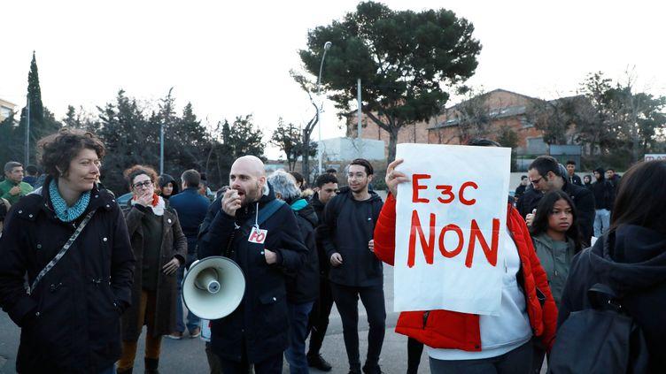 Une manifestationpour protester contre les E3C à Marseille, le 3 février 2020 (photo d'illustration). (VALERIE VREL / MAXPPP)